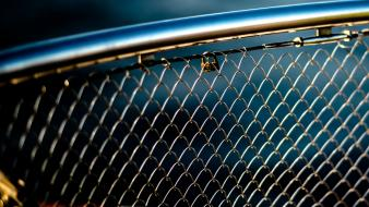 Fences locks chain link fence blurred background wallpaper