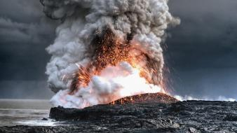 Nature volcanoes lava smoke hawaii eruption magma wallpaper