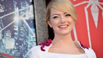 Blondes women actress emma stone faces wallpaper