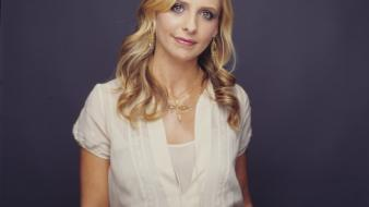 Sarah michelle gellar suzuki wallpaper