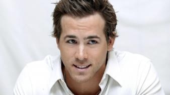 Actors ryan reynolds wallpaper