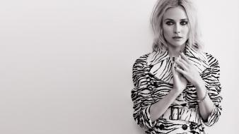 White germany diane kruger vogue magazine background wallpaper