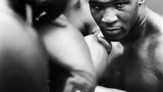 White gloves stare boxing mike tyson knockout Wallpaper