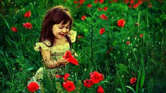 Baby red flowers wallpaper