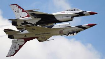 Airplanes jet aircraft thunderbirds (squadron) widescreen stunt flying wallpaper