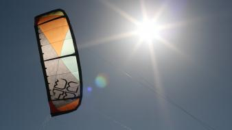 Lens flare kite kitesurfing kiteboarding best kites Wallpaper