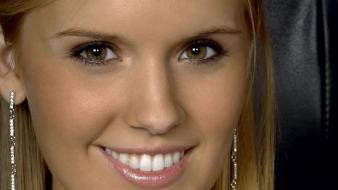Maggie grace smiling wallpaper