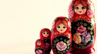 Matreshka-girls Wallpaper
