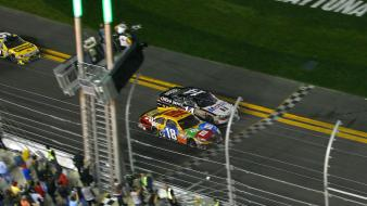 Nascar kyle busch tony stewart finish line Wallpaper