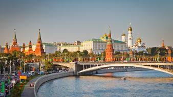Traffic moscow kremlin red square rivers cities wallpaper