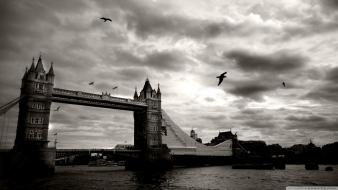 Vintage london tower bridge wallpaper