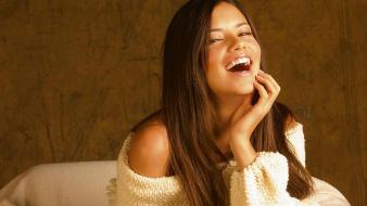 Adriana Lima Laughing wallpaper