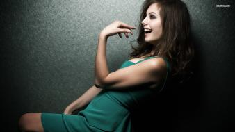 Brunettes women models willa holland laughing Wallpaper