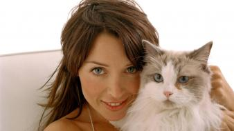 Dannii Minogue Cat Wallpaper