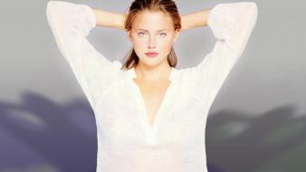 Estella Warren White wallpaper