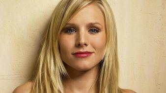 Kristen Bell Face wallpaper