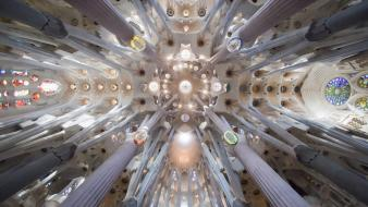 Barcelona church spain sagrada familia wallpaper