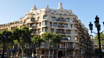 Architecture barcelona gaudi wallpaper