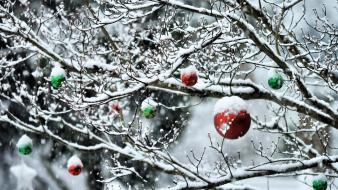 Snow new year decor 2013 wallpaper