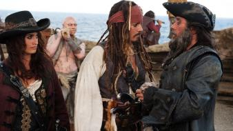 Sparrow ian mcshane on stranger tides blackbeard Wallpaper