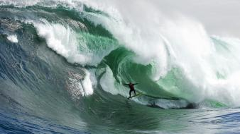 Ocean waves surfing awesomeness redbull wallpaper
