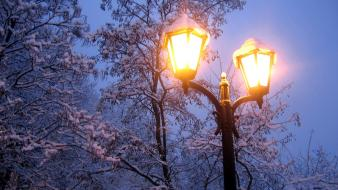 Winter snow lanterns wallpaper