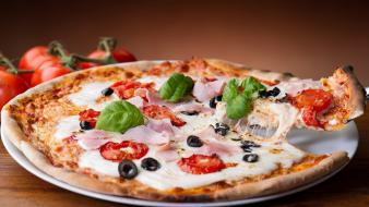 Food pizza tomatoes wallpaper