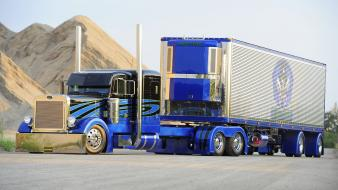 Trucks 18 wheeler peterbilt Wallpaper