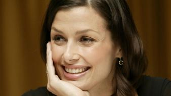 Bridget Moynahan Face wallpaper