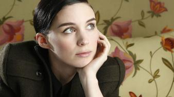 Brunettes women actress rooney mara hands on face wallpaper