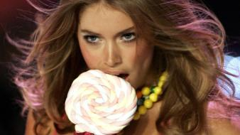 Doutzen Kroes Candy Wallpaper