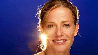 Elizabeth Shue Face Wallpaper