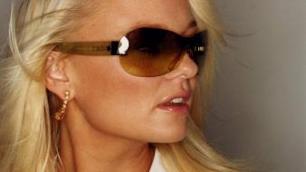 Emma Bunton Glasses Wallpaper