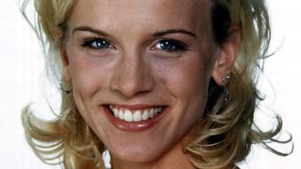 Eva Habermann Smile Wallpaper