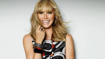 Heidi Klum Laugh wallpaper