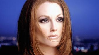 Julianne Moore Face Wallpaper