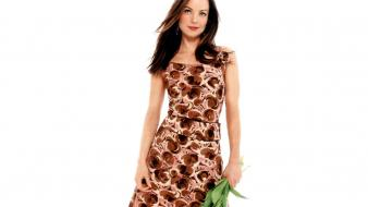 Kimberly Williams Dress wallpaper