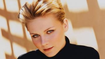 Kirsten Dunst Face wallpaper