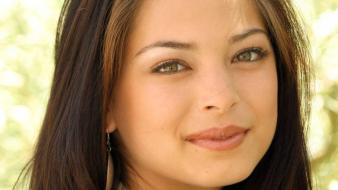 Kristin Kreuk Face wallpaper