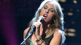 Liz Phair Singing wallpaper