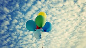 Clouds balloons skyscapes wallpaper