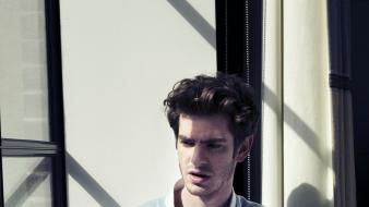 Men sunlight actors window panes andrew garfield wallpaper