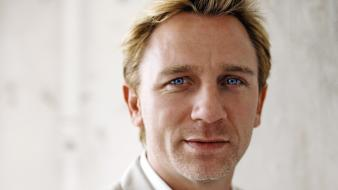 Blondes blue eyes men actors daniel craig faces Wallpaper