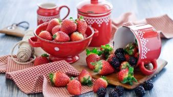 Red food kitchen berry blueberries bowl wallpaper