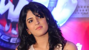 Deeksha seth tollywood indian girls tamil south wallpaper