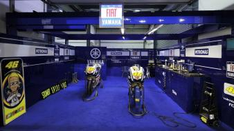 Fiat yamaha rossi garage Wallpaper