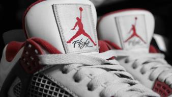 Chicago bulls air basketball player retro 4s wallpaper