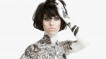 Gray eyes pale skin kimbra johnson bodypainting wallpaper