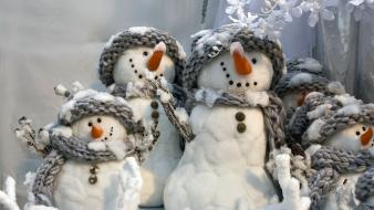 Winter snowmen christmas scarfs Wallpaper