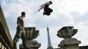Jump free running david belle cyril raffaelli wallpaper